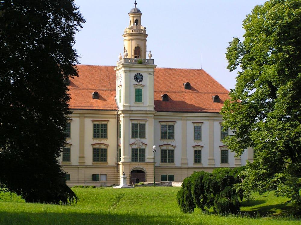 Prandau-Normann Castle